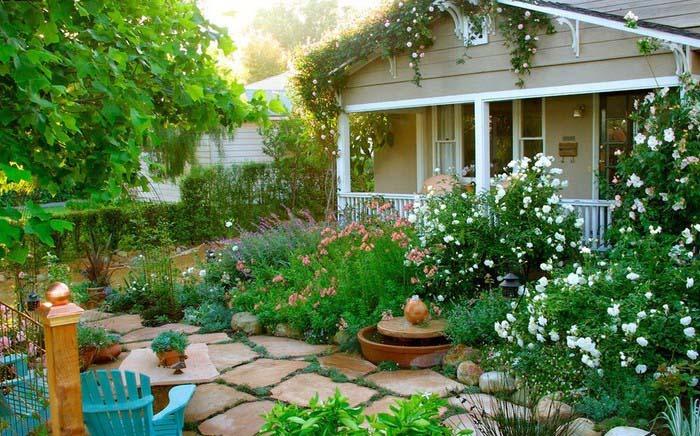 Выбирая растения, следует учитывать и то, что они обладают различными требованиями к грунту и уходу