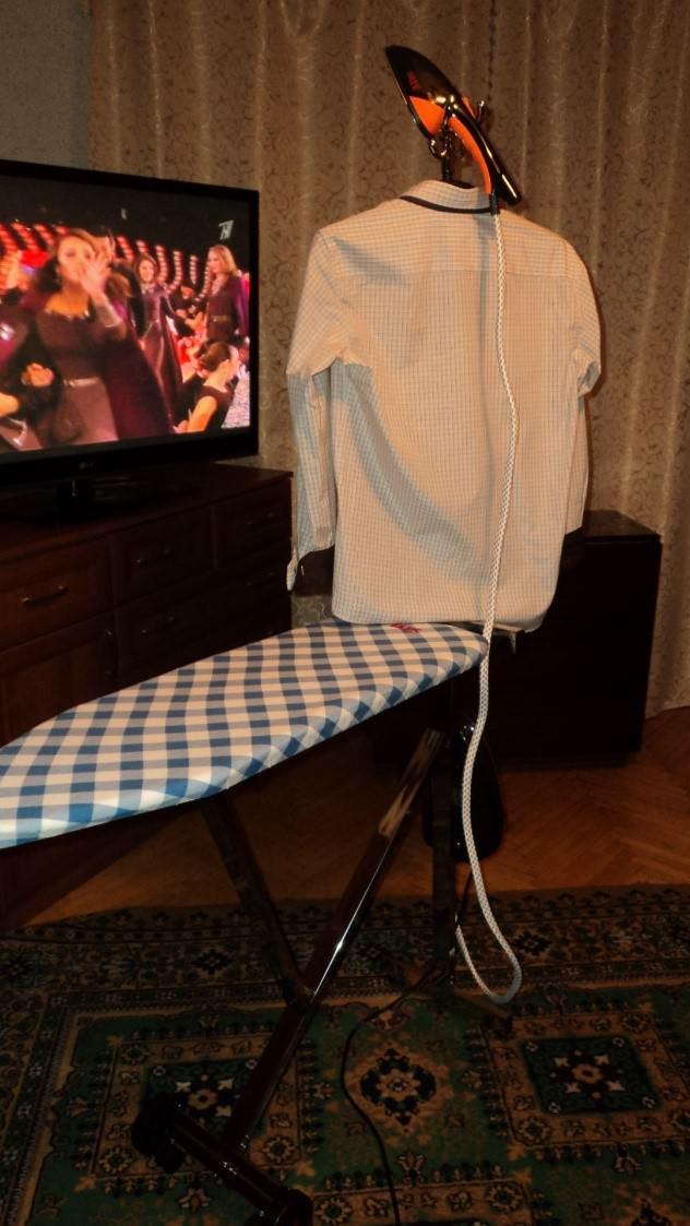 Отпаривая рубашку MIE Compatto, можно одновременно смотреть Евровидение по Первому