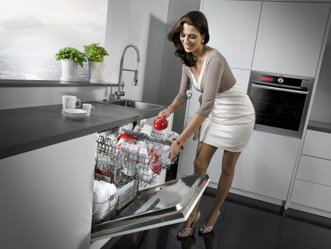 Установка «посудомойки» поможет избежать проблем и сэкономить воду