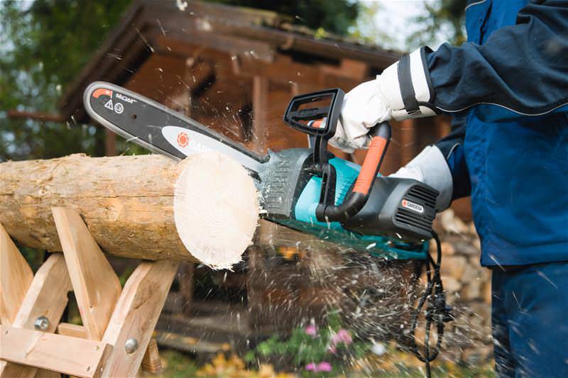 Многие производители занимаются изготовлением такого инструмента, как электрическая пила