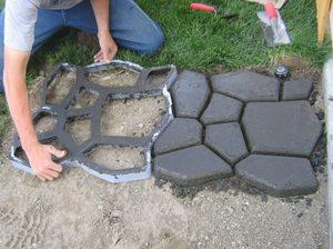 Дачные бетонные дорожки