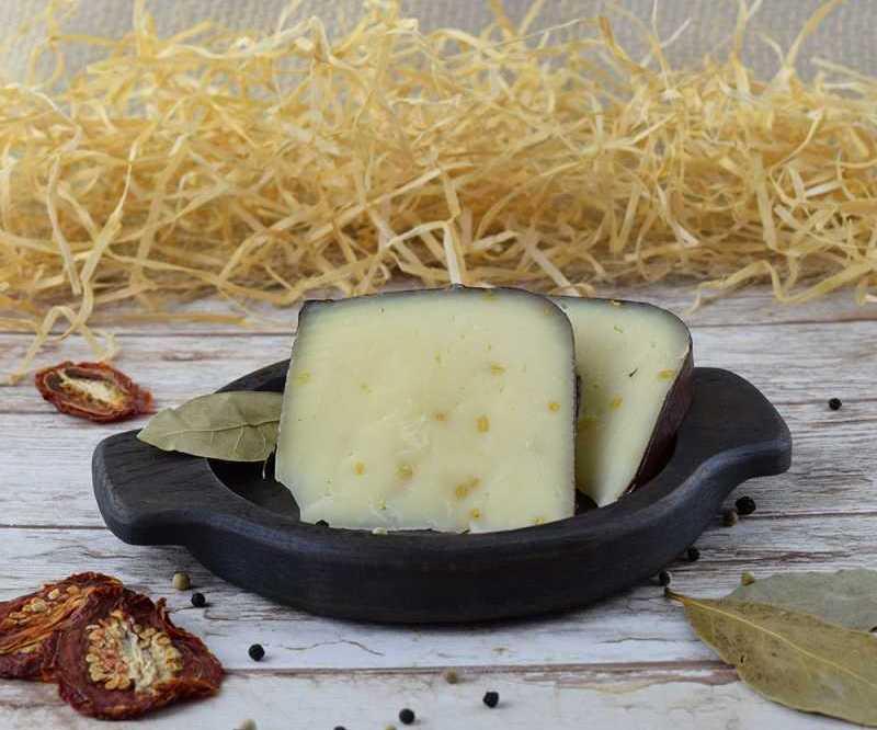 В качестве специи семена пажитника часто добавляют в сыр