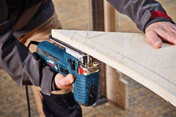 Нельзя эксплуатировать инструмент, имеющий сколы и трещины на корпусе