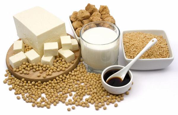 Продукты, приготовленные из сои, благодаря богатому составу можно использовать в лечебных целях