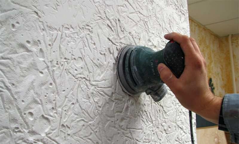 Для удобного нанесения пользуются шпателем (кистью), а для сложного рисунка запасаются дополнительными инструментами