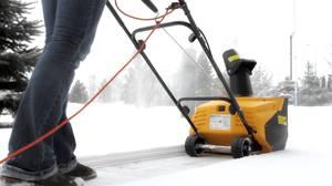 Электрическая машина для уборки снега