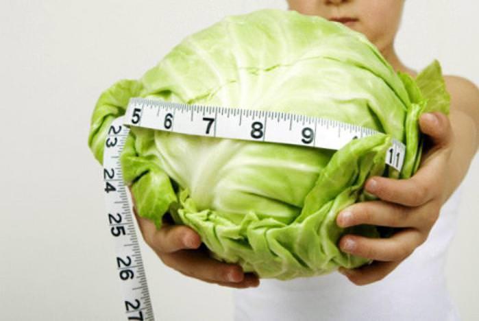 Популярны различные диеты на основе белокочанной капусты, эффективные при похудении