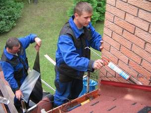 Герметик — современный материал, который пригодится в дачном строительстве и отделке