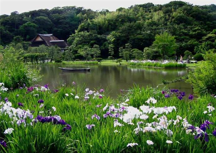 Сады названы в честь французского банкира Альбера Кана