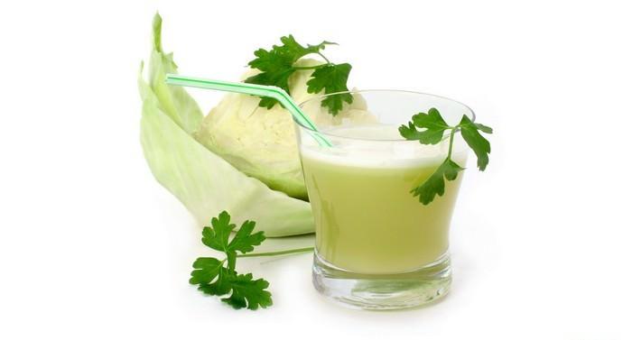 Пациенты, страдающие от язвенных заболеваний, могут пить капустный сок