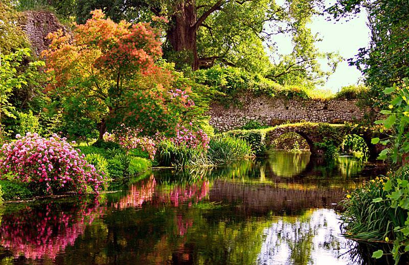 Сад Джардино э Ровине ди Нинфа – один из самых красивых в мире