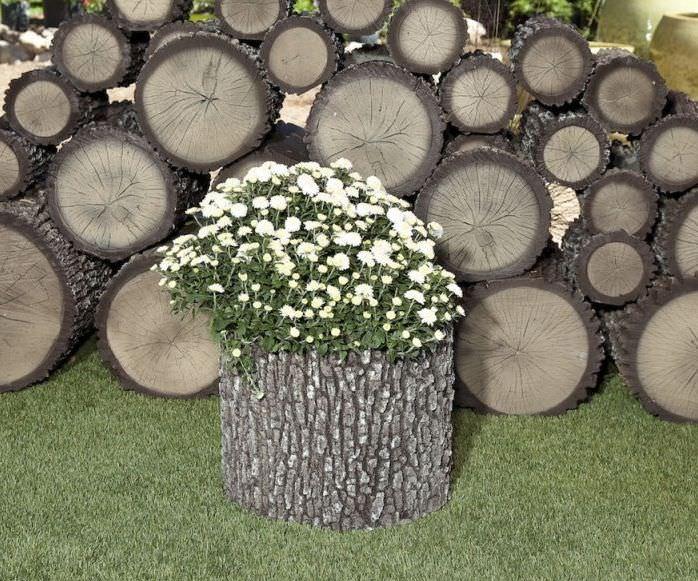 Изделия, которые выглядят, как настоящее дерево, производятся из качественного полиуретана