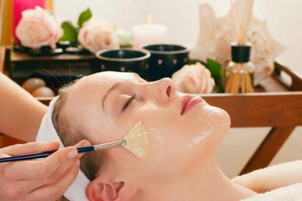 Льняным маслом лечат разнообразные кожные недуги
