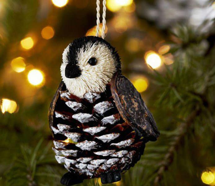 Ее можно поставить на полку или приделать петлю из нитки и использовать в качестве елочной игрушки на Новый год