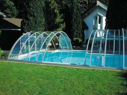 Любой павильон для бассейна – достаточно современная конструкция, которая может быть разнообразной формы и цвета