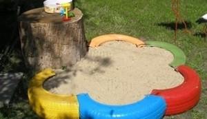 Самодельная песочница из покрышек автомобильных колес