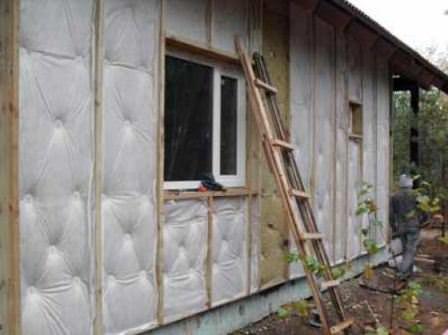 Ремонт и утепление дачного дома следует начать с приходом тепла и солнечной погоды