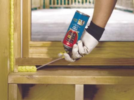 Запенивание обновленных деревянных окон — процесс укрепления и герметизации
