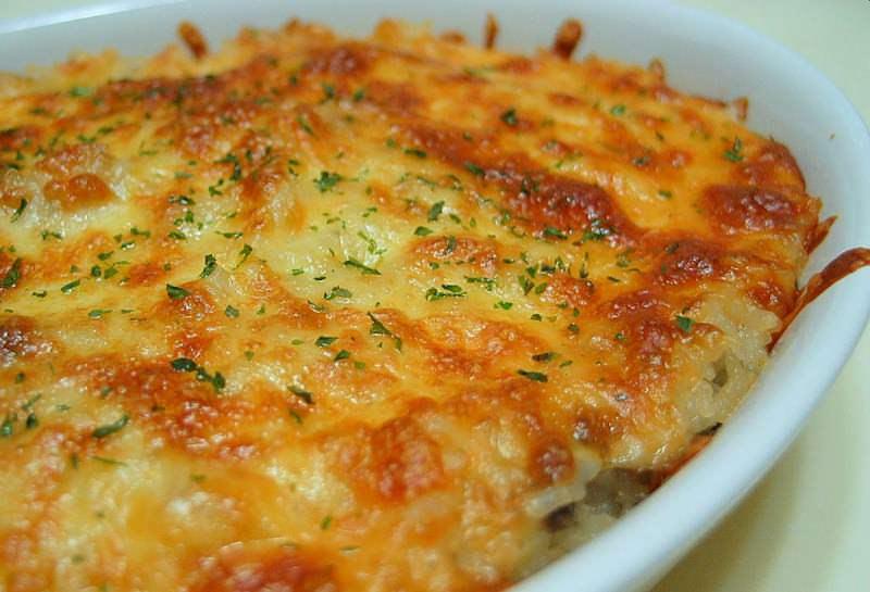 Рецепт запеканки прост, но выглядит блюдо изумительно, обладая при этом неповторимым вкусом