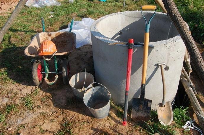Подготовительные мероприятия включают в себя приобретение необходимого инструмента и строительного материала