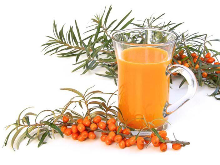 С особой осторожностью следует использовать ягоды или сок для питания детей до года