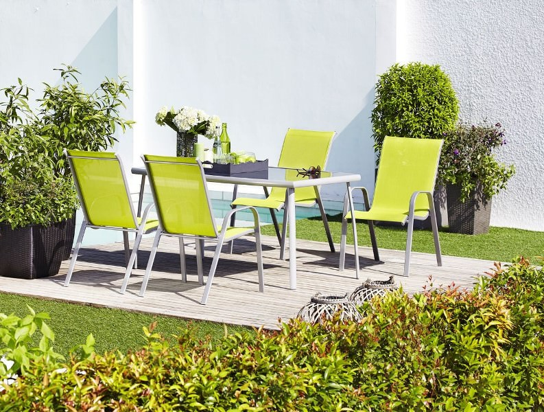 Алюминиевая мебель относится к числу наиболее практичных изделий