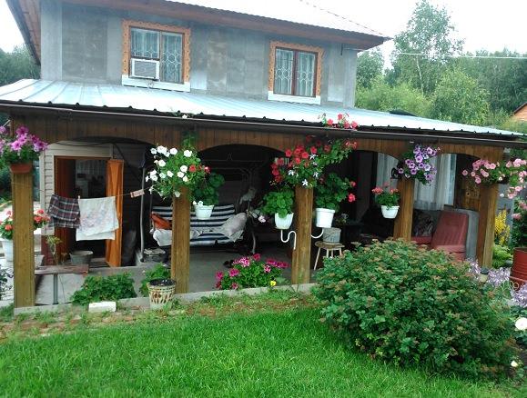 Существует мнение, что создать красивый сад в Сибири невозможно, но мы все же попробовали...
