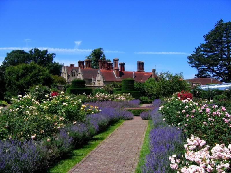 Сад Борде-Хилл представляет собой настоящий садовый комплекс