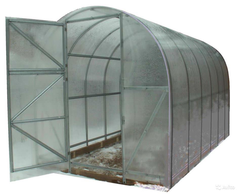 Урожай Эконом 2. Эта модель представляет собой конструкцию, состоящую из вертикальных стен и арочной крыши