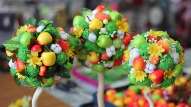 Топиарий может выглядеть не только как цветок, но и как фруктовое дерево