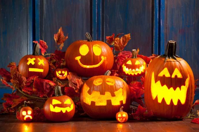Самый простой способ украсить дачу на Хэллоуин – сделать фонарь Джека