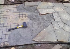Укладка бетонной плитки на бетон