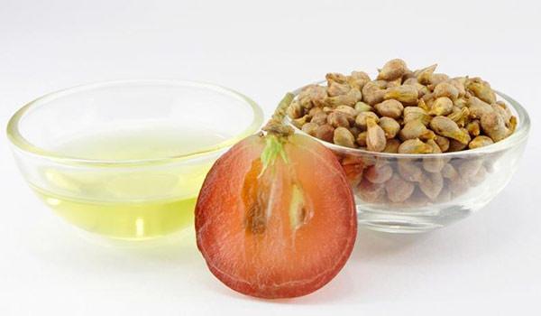 Огромная польза масла на основе косточек винограда обусловлена составом