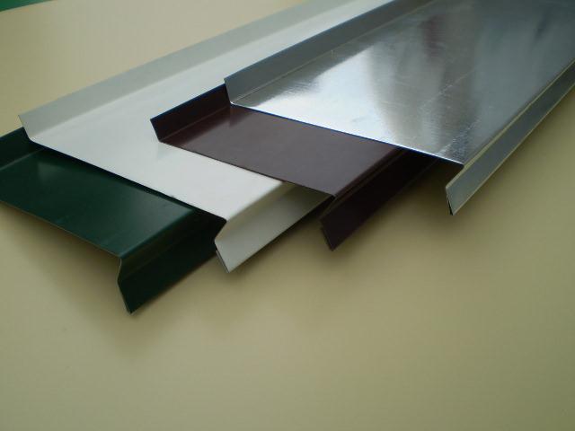 Козырьки, водостоки, отливы — все обязательно используется в устройстве качественной крыши