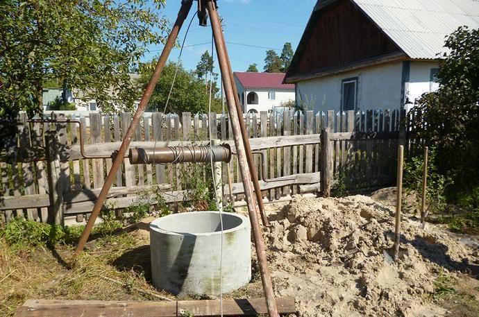 Неполные питьевые сооружения из железобетонных колец на сегодняшний день являются самым часто встречающимся вариантом в условиях приусадебного садоводства и огородничества