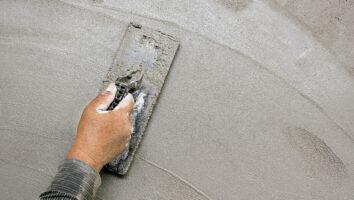 Как самостоятельно оштукатурить стены